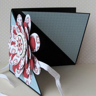 flower folds from jan open