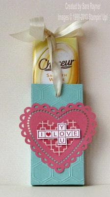 amore heart choc box open