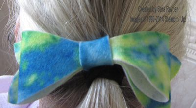 gift bow hairband in place
