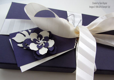 botanicals gift wrap close